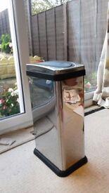 30 Litre Smart Stainless Steel Rectangular Press Top Kitchen Bin Excellent Condition