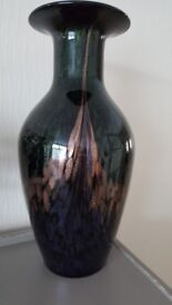 Beautiful Pair of vases in excellent condition (no marks, chips or cracks)