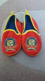 Bnwt Disney planes slippers size 9-10 (from the disney store)