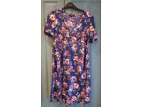 New look maternity floral tea dress size 8 excellent condition