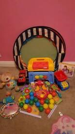 Toy bundle Inc ball pit