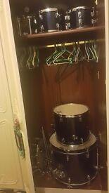Hardly used full size drum kit