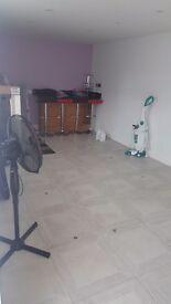 Studio room for rent in wexhamarea