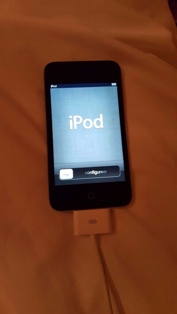 Apple iPod Touch 4th generation 32gb Blackperfect conditionin Liphook, HampshireGumtree - Apple iPod touch 4th generation 2011 32gb black Nearly perfect condition as was kept in a case all its life only a few minor scratches. Very well cared for! Perfect working condition and factory reset. Fully charges and holds charge. Can FaceTime...