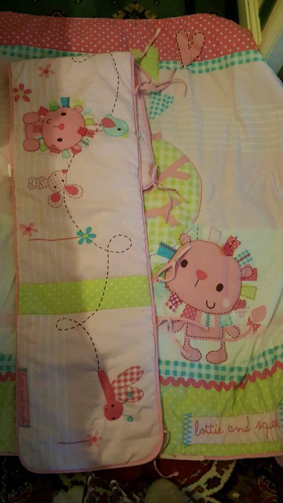 Cot bed bumper and duvet
