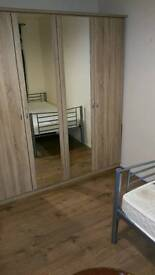 DOUBLE ROOM FOR RENT ALL INCLUSIVE FAST BROADBAND