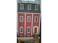 Beautiful Doll's House. Ready to move into!