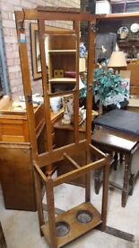 ANTIQUE VINTAGE OAK HALL STAND