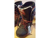 Ride FUL mens snowboard boots, unused size 8, great condition. must see.