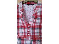 Maternity top/shirt size 14