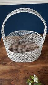 White pearl basket wedding decoration