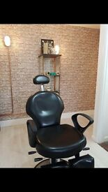 Beauty / Treatment Room available above busy town centre salon!