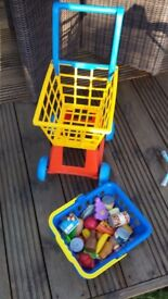 Shopping trolley, shopping basket and play food