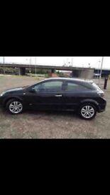 Black Vauxhall Astra SXI