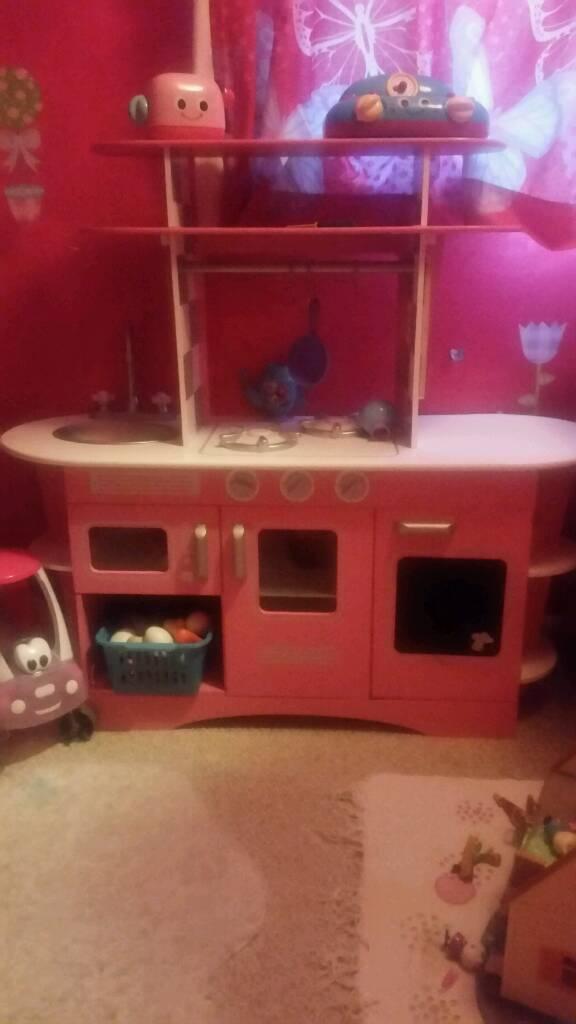 Wooden unisex play kitchen
