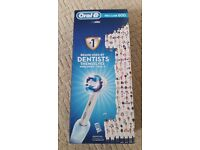 Braun Oral-B Professional Care 600 Rechargeable Toothbrush + 17 Brush Head