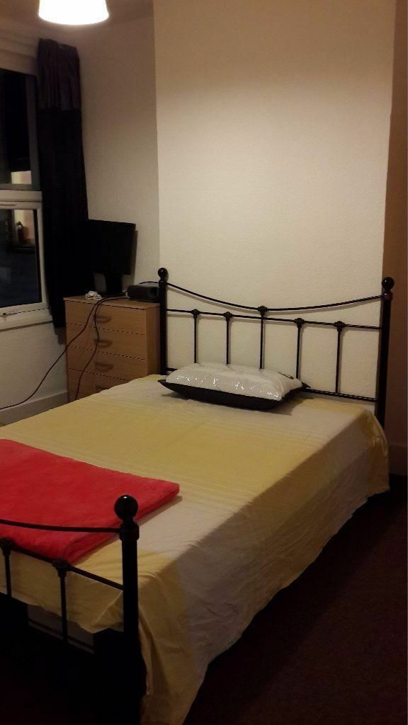DOUBLE ROOM TO RENT IN EAST HAM!! FULLY FURNISHED. ALL BILLS INC. CLOSE TO EAST STATION!