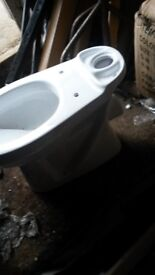 brand new on box 6 toilets ,i have only toilets no cisterns