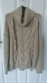 2 Quality Ladies Jumpers Size 12-14.