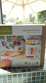 Infantino station and 10 pouches brand new