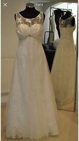 Brand new beautiful wedding dress