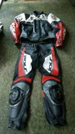 Motorcycle leather's