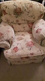 3 piece suite in good condition.
