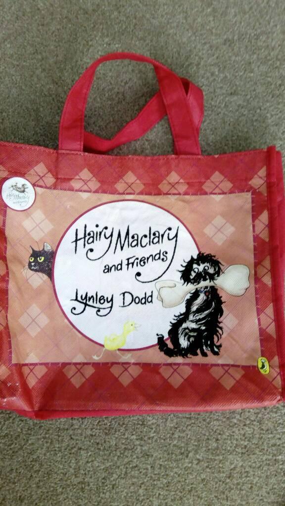 Hairy Maclary & friends book set & bag