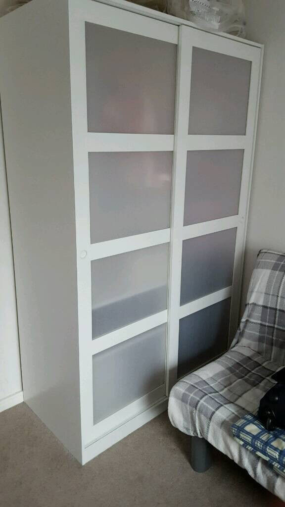 ikea kvikne wardrobe with 2 sliding doors in very good condition in london gumtree. Black Bedroom Furniture Sets. Home Design Ideas