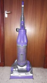 """Dyson DC07 """"Animal"""" Upright Vacum Cleaner"""