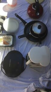 Assorted kitchen ware and small appliances