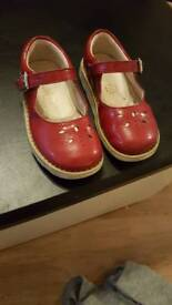 Clarks girls shoes 7 g