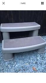 Spa / hot tub steps