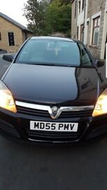 Black Vauxhall Astra life 1.6 lady owner low mileage