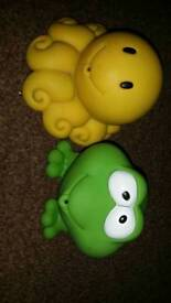 Octopus and frog bath toys
