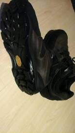 Brasher Gore-tex xcr size nine half walking boots used once.