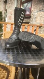 Axo size 42 motorbike boots immaculate worn once