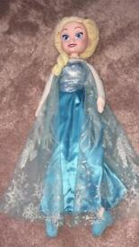 BRAND NEW MUSICAL ELSA AND ANNA DOLLS
