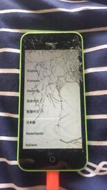 iPhone 5c Green. Smashed Screen.