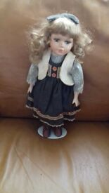 9 porcelain dolls for sale open to offers no time wasters