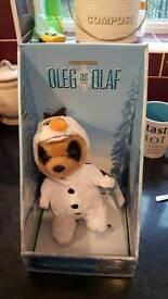 Oleg Meeekat as Olaf