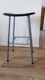 2 bar stools (£5 each) LAST DAY! CAN BARGAIN!