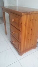 Side dresser with drawers