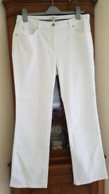 Ladies CC (Country Casuals) White Jeans with Silver Tone Studs Size 14 VGC