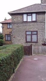 Fully furnished massive 3 bedroom house in Dagenham.