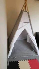 Kids teepee/ Grey and white stars