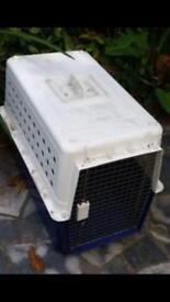 Cat & dog pet carrier box.