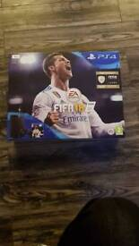 Ps4 1tb fifa console and game