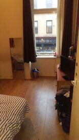 AVAILABLE NOW ... ROOM FOR RENT, ST GEORGES CROSS SUBWAY, £350 P/M - 2 BED FLAT W/ FRONT ROOM/STUDY