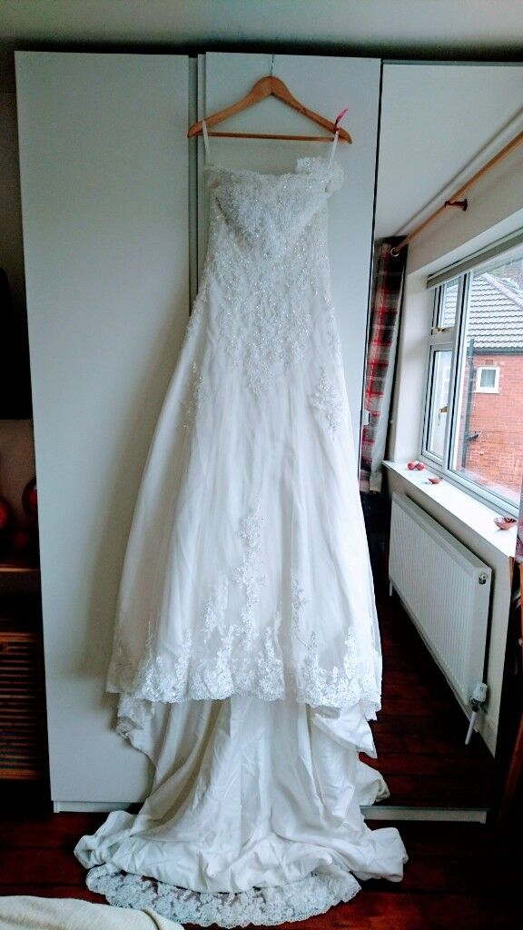 Lovely 3/4 lace sleeves wedding dress UK size 8-10 free veil | in ...
